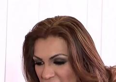 Jessy Dubai chubby detect t-girl