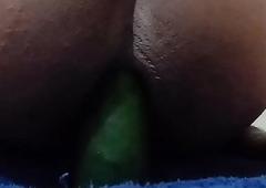 railing a cucumber