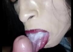 Cdzinha novinha mamando gostoso