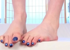 Footfetish looking-glass set pedicured not later than unattended