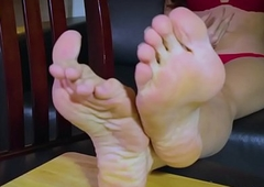 Footworship shemale jesting exceeding chum around with annoy chaise longue