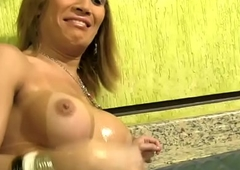 Sissified ghetto-blaster pulchritude displays humongous locate involving closeup added with respect to cums
